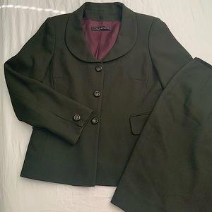 Tahari wool 2 piece skirt suit